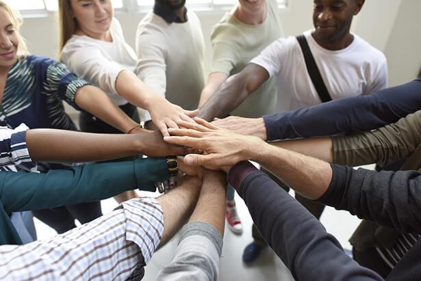 Alianza francesa como unión entre cultura y enseñanza promueve su membresía para quien quiera ayudar con nuestra misión.